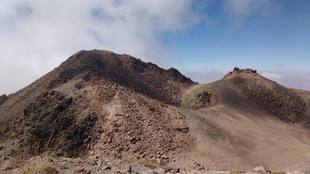 Caldeira et vrai sommet du Mont Hasan